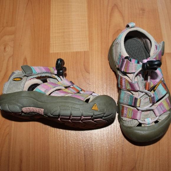 30870f02cfb Keen Shoes   Sandals Waterproof Hiking Girl Sz 8   Poshmark